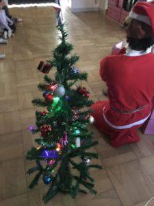 ピカピカクリスマスツリー